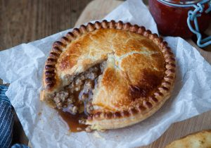 Pioneer Foodservice | Meat & Potato pie